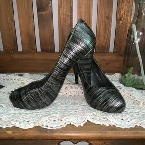 Steve Madden high heeled pumps. Gently used